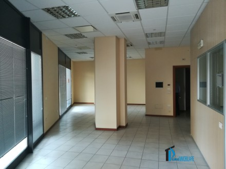 Borgo Bovio: commercial space in excellent condition