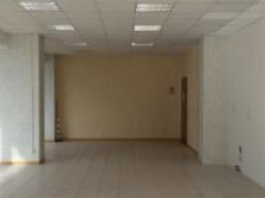 Semi-central: large commercial space in excellent condition - 2