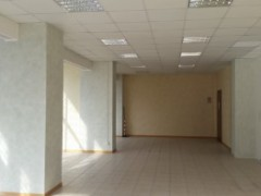 Semi-central: large commercial space in excellent condition - 4