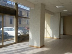 Semi-central: large commercial space in excellent condition - 7